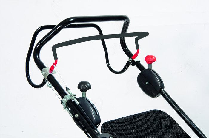 Ergonomisches Griffsystem: Alle Bedienelemente sind leicht zu erreichen und einfach zu handhaben.