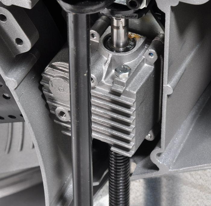 Getriebe aus Bronze im Aluminiumgehäuse für eine lange Lebensdauer.