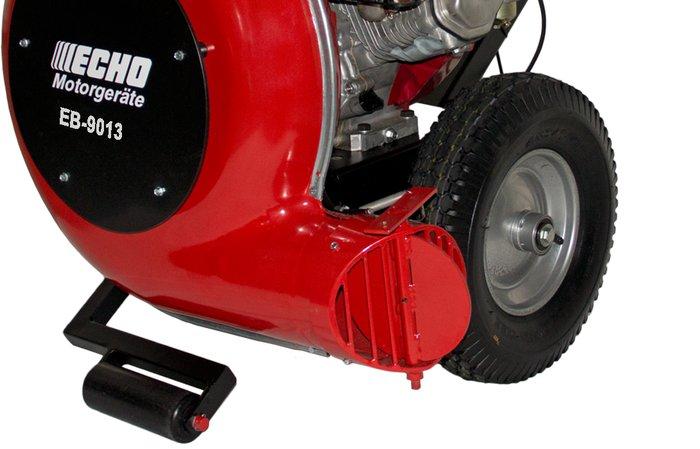 1-Gang-Getriebe -  Durch das 1-Gang-Getriebe entfällt das lästige Schieben auf unebenem Gelände oder am Hang.