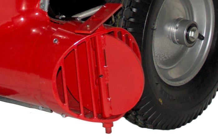 verstellbare Luftstromrichtung -  Je nach Bedarf und Aufgabenstellung kann die Klappe zur Einstellung der Luftstromrichtung vom Holm des Großbläsers aus verstellt werden.