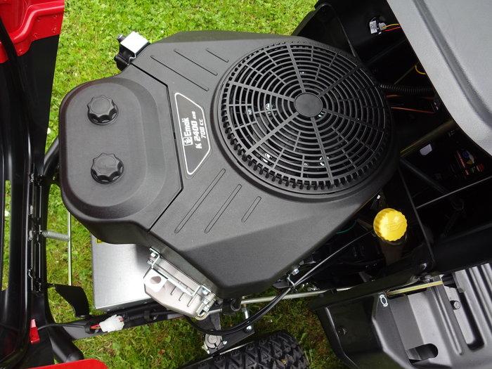 Extrastarke Profi-Performance: Jeder will diesen Motor - doch: Nicht jeder hat ihn auch! Emak 708 cm³ Profi V-2-Zylinder OHV Motor = vollprofessioneller, extrem durchzugstarker Hochleistungsmotor + liefert mit sehr hohem Drehmoment und konkurrenzlos hoher Zuverlässigkeit bei besonders günstigem Verbrauch überdurchschnittliche Spitzenleistung!