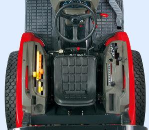 Für einfacheres Fahren befindet sich der SCV-Hebel nun auf der rechten Seite.