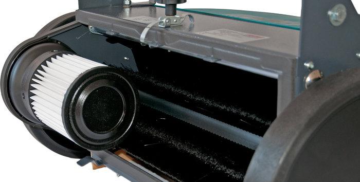 patentiertes Absaugsystem -  Die einzige handgeführte Kehrmaschine mit Staubabsaugung die weder Motor noch Kabel noch Strom dafür benötigt.
