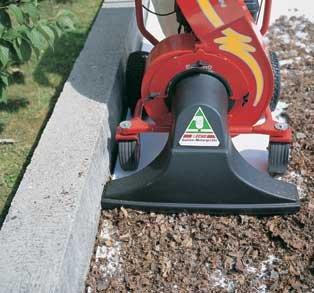 Professionelle robuste Bauweise. Der ECHO-Sauger kann bequem an Mauern entlang geführt werden (mit  Scheuerschutz).  Je nach Sauggut wird die Saughöhe stufenlos und leicht (ohne Umbau) mit einer Kurbel eingestellt.