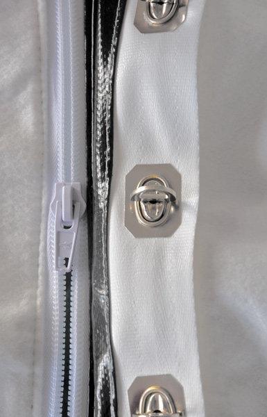 Reiß- oder Planenverschluss -  Alle Fangsäcke sind mit Reißverschluss (links) oder Planenverschluss (rechts) erhältlich.