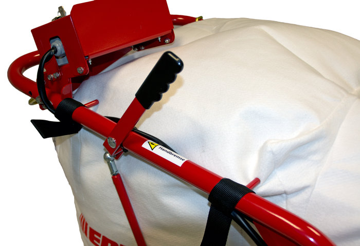 Handbremse -   Fixiert den Laubsauger an Abhängen und verhindert somit das Wegrollen. So kann das Gerät auch an abschüssigen Stellen einfach kurz abgestellt werden.