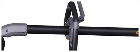 Schwingungsdämpfungssystem: Der Griff mit Soft-Touch-Beschichtung verringert die Schwingungen, damit die Arbeit komfortabler und weniger ermüdend wird.