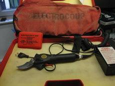 Gebrauchte Akkuastscheren: Elektrocoup - Elektrocoup F3002 Akku Schere (gebraucht)