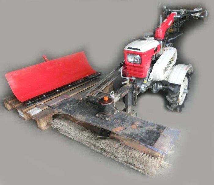 Angebote                                          Kehrmaschinen:                     Honda - F800 Einachser (gebraucht, Schnäppchen!)
