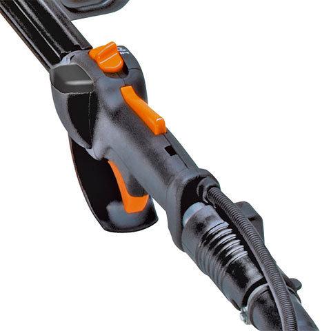 STIHL ErgoStart (E)  Leichtes und kräfteschonendes Starten durch eine zusätzliche Feder zwischen Kurbelwelle und Anwerfseilrolle. Ein ruhiger, gleichmäßiger Zug genügt, um zuverlässig zu starten. Serienmäßig bei allen Modellen mit der Bezeichnung C-E.