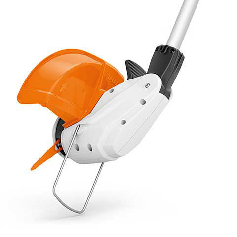 Softgriff und Einhängöse  Dank Softgriff mit Schalthebelsperre und Schalthebel hat der Anwender seine Akku-Motorsense immer sicher im Griff. Mit der Öse zur Wandbefestigung kann der FSA platzsparend und sicher aufbewahrt werden.