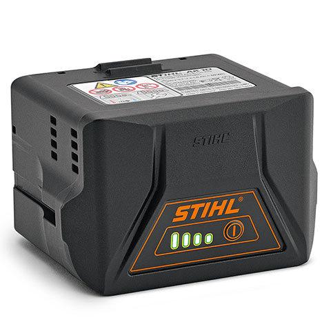 Akku AK 10  Kompakter Lithium-Ionen-Akku für das AkkuSystem COMPACT mit einer Spannung von 36 V und einer Leistung von 59 Wh. Laufzeit abhängig je nach Gerätetyp. Mit Ladezustandsanzeige (LED). Kompatibel mit den Ladegeräten AL 101, AL 100, AL 300 und AL 500.