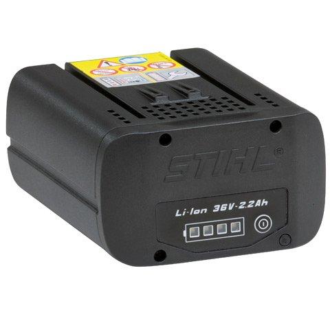 Lithium-Ionen-Akkumulator AP 80  Leistungsstarker Lithium-Ionen-Akku AP 80 mit 80 Wh. Kompatibel zu allen STIHL/VIKING Akku-Geräten. Der Akku kann mehrere hundert Male geladen werden. Kein Memory-Effekt, konstante Leistung über die gesamte Entladungsphase hinweg. Für ausdauerndes Arbeiten wie mit einem Benzingerät. Mit Ladezustandsanzeige. Aufladbar mit Ladegerät AL 100 oder AL 300.