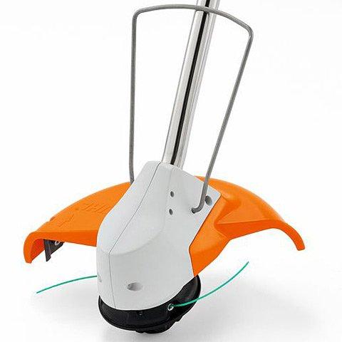 Abstandsbügel  Schützt Ihren Mähkopf zuverlässig vor Beschädigungen.