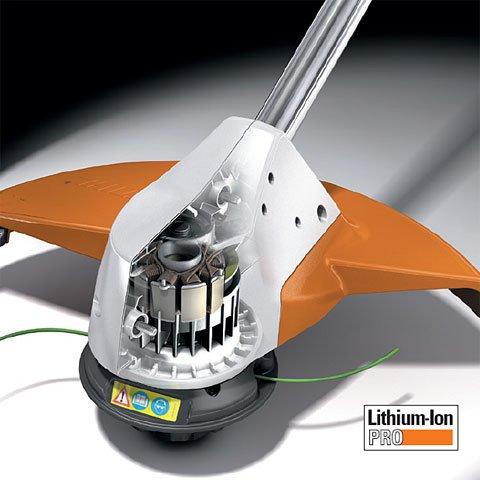 EC-Motor  Der EC-Motor holt bis zu 55% mehr Leistung aus dem Akku und schont ihn dabei – denn die Lebensdauer des Akkus steigt bis zu 70%. Außerdem überzeugt er mit geringem Gewicht, kompakten Maßen und nahezu verschleißfreier Mechanik.