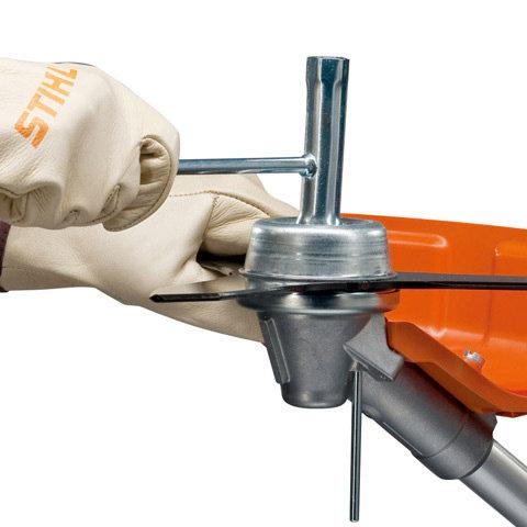 Arretierung des Steckdorns  Durch die Arretierung des Steckdorns ist der Werkzeugwechsel besonders einfach. (Abb. ähnlich)