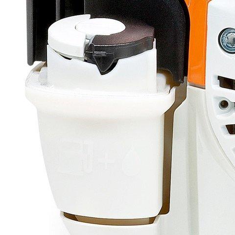 Großer Kraftstofftank  Der transparente Kraftstofftank mit einem Volumen von 0,75 l gewährleistet lange Arbeitsintervalle mit weniger Tankstopps. Der Füllstand ist von außen gut sichtbar. Einfaches Betanken durch große, gut zugängliche Tanköffnung. (Abb. ähnlich)
