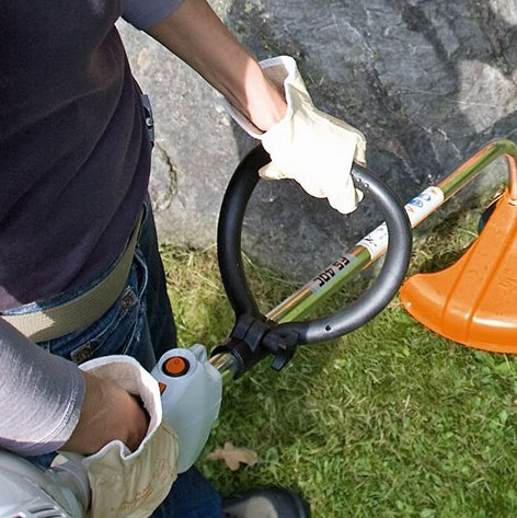 Bügelgriff  Mit dem praktischen Bügelgriff lässt sich das Gerät einfach und präzise führen.