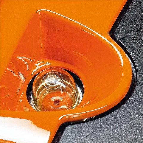 Mit der manuellen Kraftstoffpumpe lässt sich auf Daumendruck Kraftstoff in den Vergaser fördern. Dadurch wird nach einer längeren Betriebspause der Maschine die Zahl der Anwerfzüge reduziert. (Abb. ähnlich)