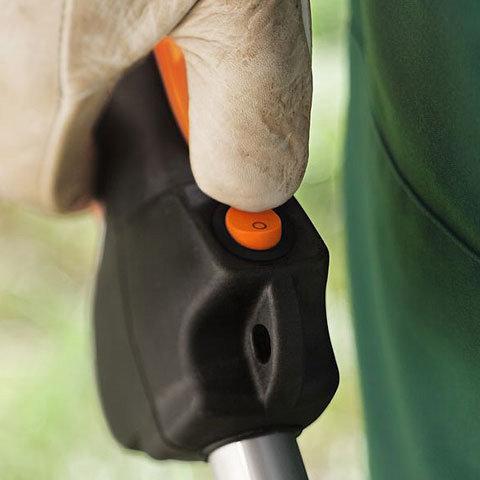 Stopp-Taster  Die Kontrolle des Stoppschalters beim erneuten Start entfällt. Der Motor ist immer startbereit. (Abb. ähnlich)