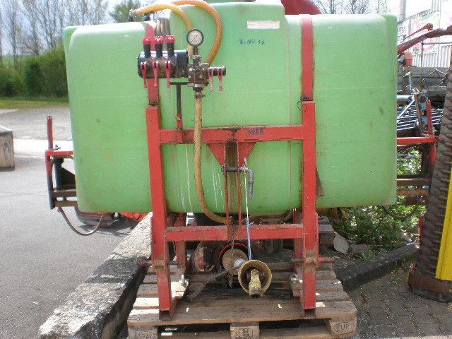 Gebrauchte                                          Feldspritzen:                     Schmotzer - Feld - Spritze von Schmotzer 600 Liter (gebraucht)