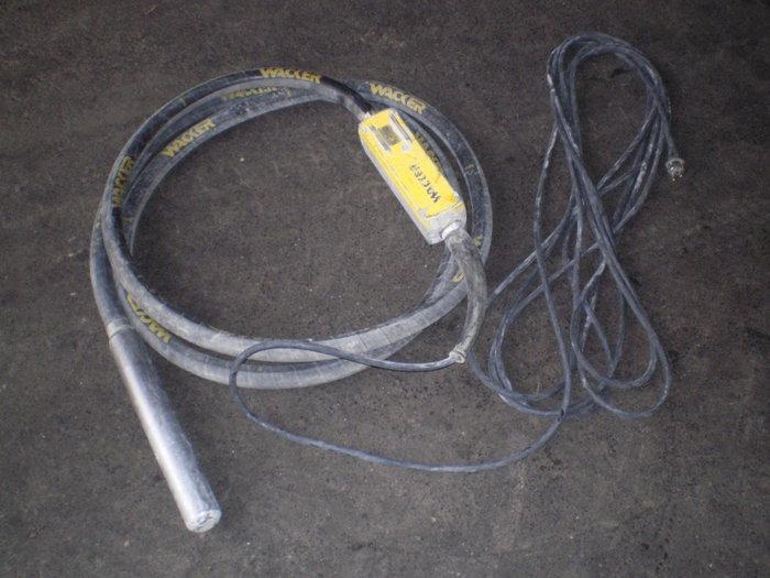 Mieten                                          Concrete Vibrators:                     Wacker - Flaschenrüttler/ Innenrüttler (mieten)