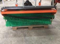 Kehrmaschinen: EcoTech - Frontkehrmschine RS-140