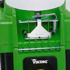 Integriertes Werkzeug: Das integrierte Werkzeug bei VIKING Gartenhäckslern ermöglicht schnell und professionell Wartungsarbeiten am Häcksler wie z.B. einen Messerwechsel.