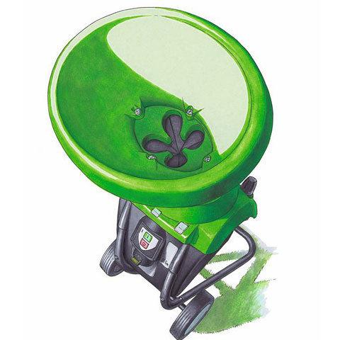 Einfülltrichter (mit Kleeblattöffnung)  Ein kurzer, schräger Einfülltrichter mit Kleeblattöffnung erleichtert das Verarbeiten von stark verzweigtem Astmaterial.
