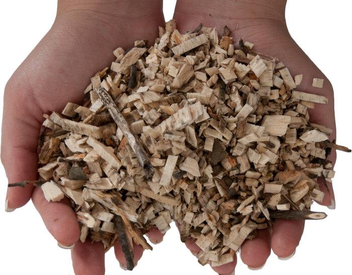 kompostfertig -  Kurz und faserig werden Gartenabfälle zerkleinert und verrotten in kürzester Zeit zu biologisch wertvollem Kompost.