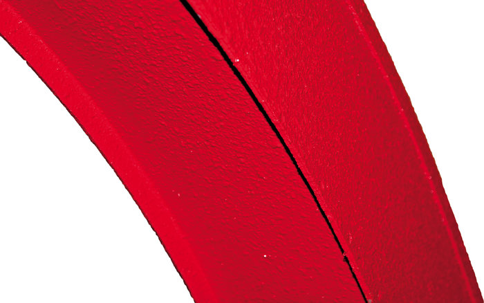 Speziallackierung -  Durch die Speziallackierung des Hochauswurfs wird die Geräuschentwicklung der auszuwerfenden Materialen deutlich reduziert. Ein angenehmeres Arbeiten ist somit möglich.