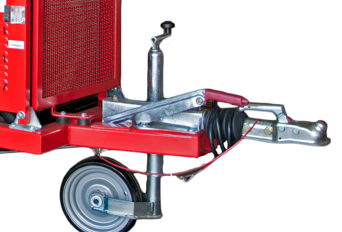 einfacher Transport -  Auf der robusten Nachlaufachse gelangen die Schnitzler problemlos an den Einsatzort.