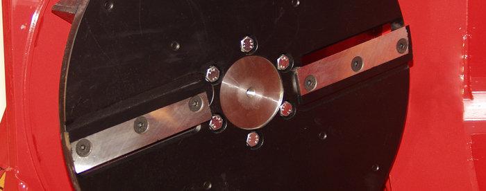 Schnitzelwerk -  Das robuste, mit zwei speziell gehärteten, für lange Standzeiten ausgelegten Messer, zerkleinert Ihre Holzabfälle.