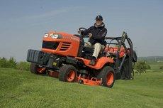 Kompakttraktoren: John Deere - 3045 R