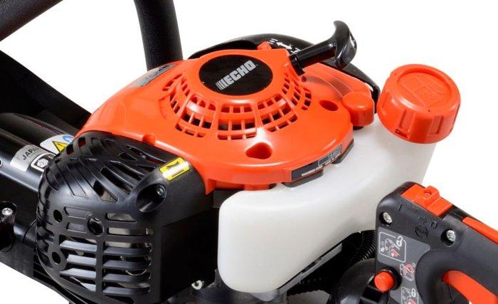 sparsames ECHO-Aggregat  Die ECHO-Aggregate gehören zu den leistungsstärksten und umweltfreundlichsten ihrer Klasse. Bereits heute erfüllen die Motoren Richtlinien nach modernsten Abgasstufnormen.