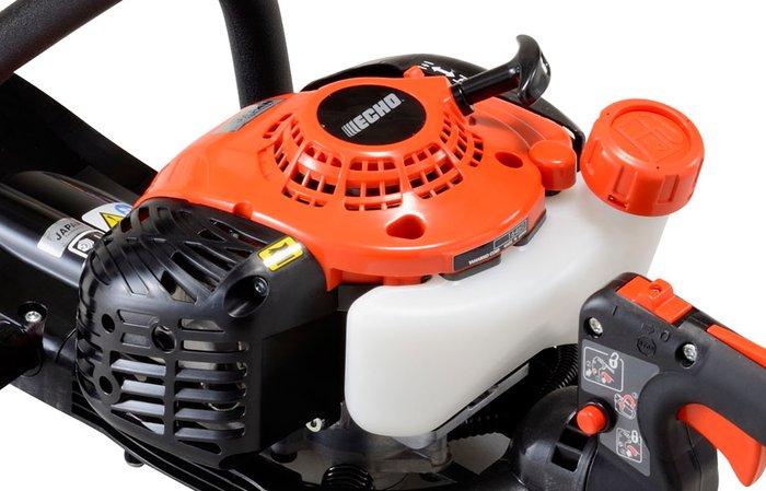 sparsames ECHO-Aggregat  Die ECHO-Aggregate gehören zu den leistungsstärksten und umweltfreundlichsten ihrer Klasse. Bereits heute erfüllen die Motoren Richtlinien nach modernsten Abgasstufnormen