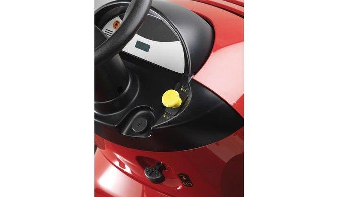 Messerstoppsystem Roto-Stop®  All unsere Rasentraktoren sind mit Roto-Stop® (wird über die gelbe Taste betrieben) ausgestattet. Dadurch können Sie die Messer schnell und sicher anhalten, ohne den Motor ausschalten zu müssen. Das ist ideal zum Leeren des Grasfangsacks, um Fremdkörper aus dem Weg zu räumen oder um Wege und Einfahrten zu überqueren.