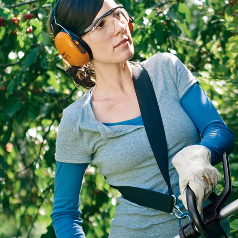 Traggurt  Der serienmäßige, abnehmbare Tragegurt sorgt dafür, dass auch längere Arbeitsintervalle komfortabel bewältigt werden können. (Abb. ähnlich)