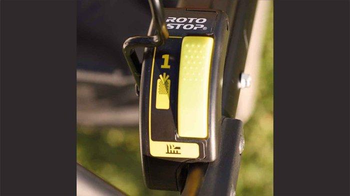 Messerstoppsystem Roto-Stop®  Mit Roto-Stop® können Sie die Messer schnell und sicher anhalten, ohne den Motor ausschalten zu müssen. Das ist ideal zum Leeren des Grasfangsacks, um Fremdkörper aus dem Weg zu räumen oder um Wege und Einfahrten zu überqueren.