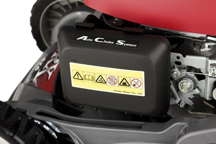 Automatischer Choke: volle Leistung schon in der Aufwärmphase, ohne manuelle Regulierung der Luftzufuhr zum Motor (Choke)