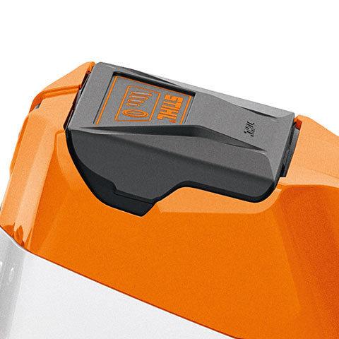 Softgriff mit Schalthebel  Der Softgriff mit Schalthebel zum Ein- und Ausschalten und Schalthebelsperre absorbiert einen Teil der Vibrationen und ist außerordentlich grifffreundlich.