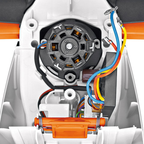 Bügelgriff  Der ergonomische Bügelgriff ist ideal für jede Arbeitsrichtung und ermöglicht Kräfte schonendes, langes Arbeiten. (Abb. ähnlich