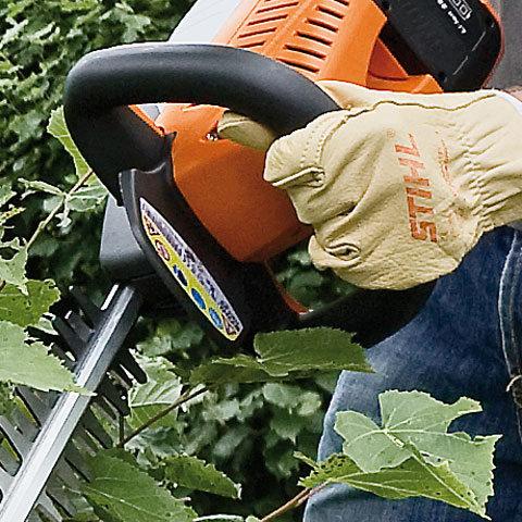 Bügelgriff  Der ergonomische Bügelgriff ist ideal für jede Arbeitsrichtung und ermöglicht Kräfte schonendes, langes Arbeiten. (Abb. ähnlich)