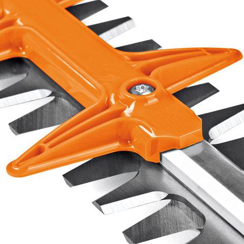 Optimierter Schnittschutz  Vergrößerte Abstände im Schnittschutz ermöglichen eine leichtere Bearbeitung von besonders dicken Zweigen
