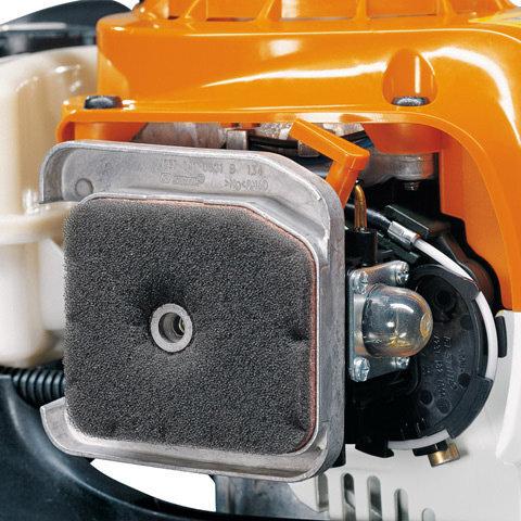 Langzeit-Luftfiltersystem  Sorgt für lange Reinigungsintervalle und zuverlässigen Schutz des Triebwerks. (Abb. ähnlich)