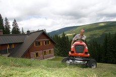 Angebote  Rasentraktoren: Herkules - HT 110 24D 2WD (Empfehlung!)