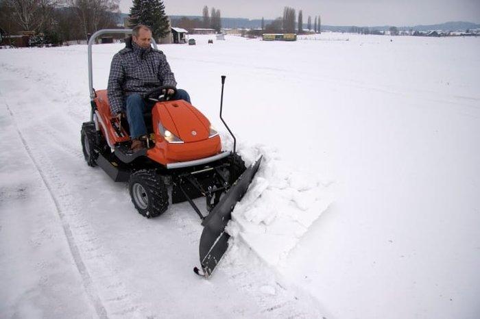 Optional auch mit Schneeschild