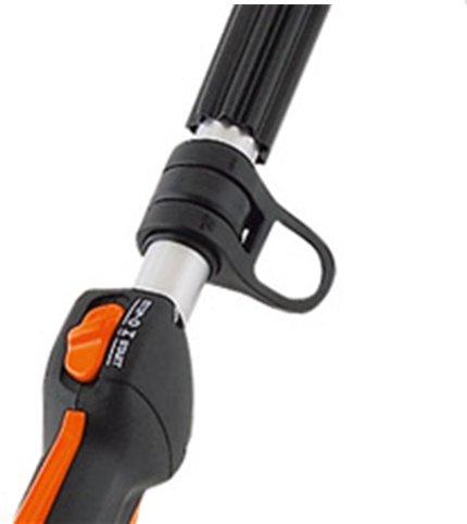 Die Einhängeöse für den Traggurt ist drehbar, wodurch sich das Gerät leichter schwenken lässt.