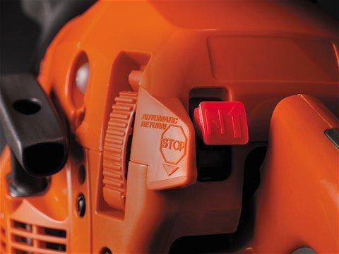 Leicht zu Starten:  Automatischer Start-/Stoppschalter und Kraftstoffpumpe erleichtern das Starten der Säge.