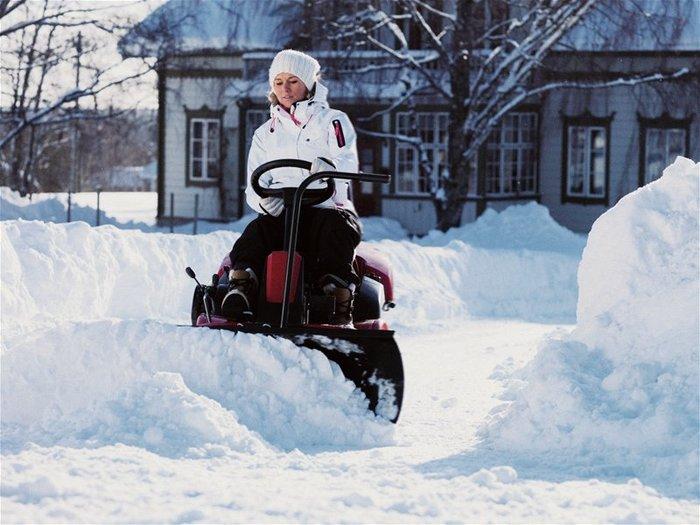 Optional auch mit Schneeräumschild - Perfekt für den Winterdienst!